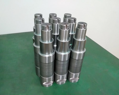 Automatic CNC lathe machining of motor drive shaft